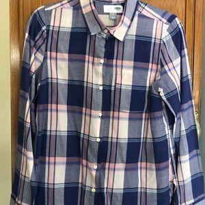 Women's classic button down shirt